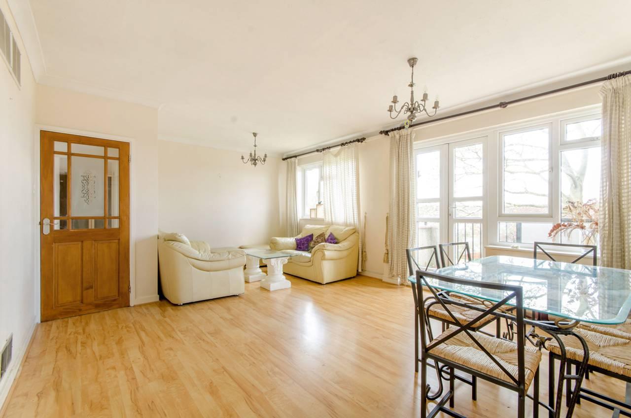 2 bedroom flat to rent fairway court barnet en en5 1hj for Fairway house cleaning