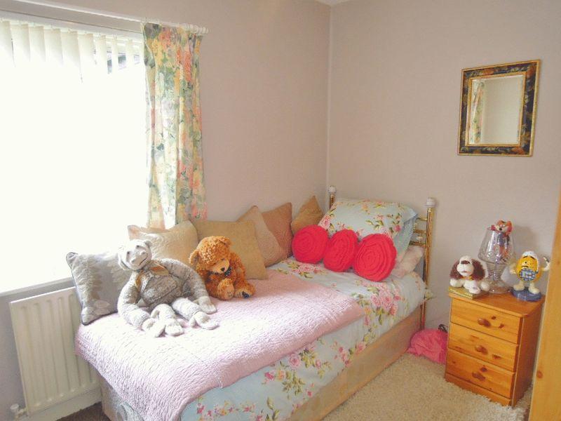 3 Bedroom Detached Bungalow For Sale Queens Drive West