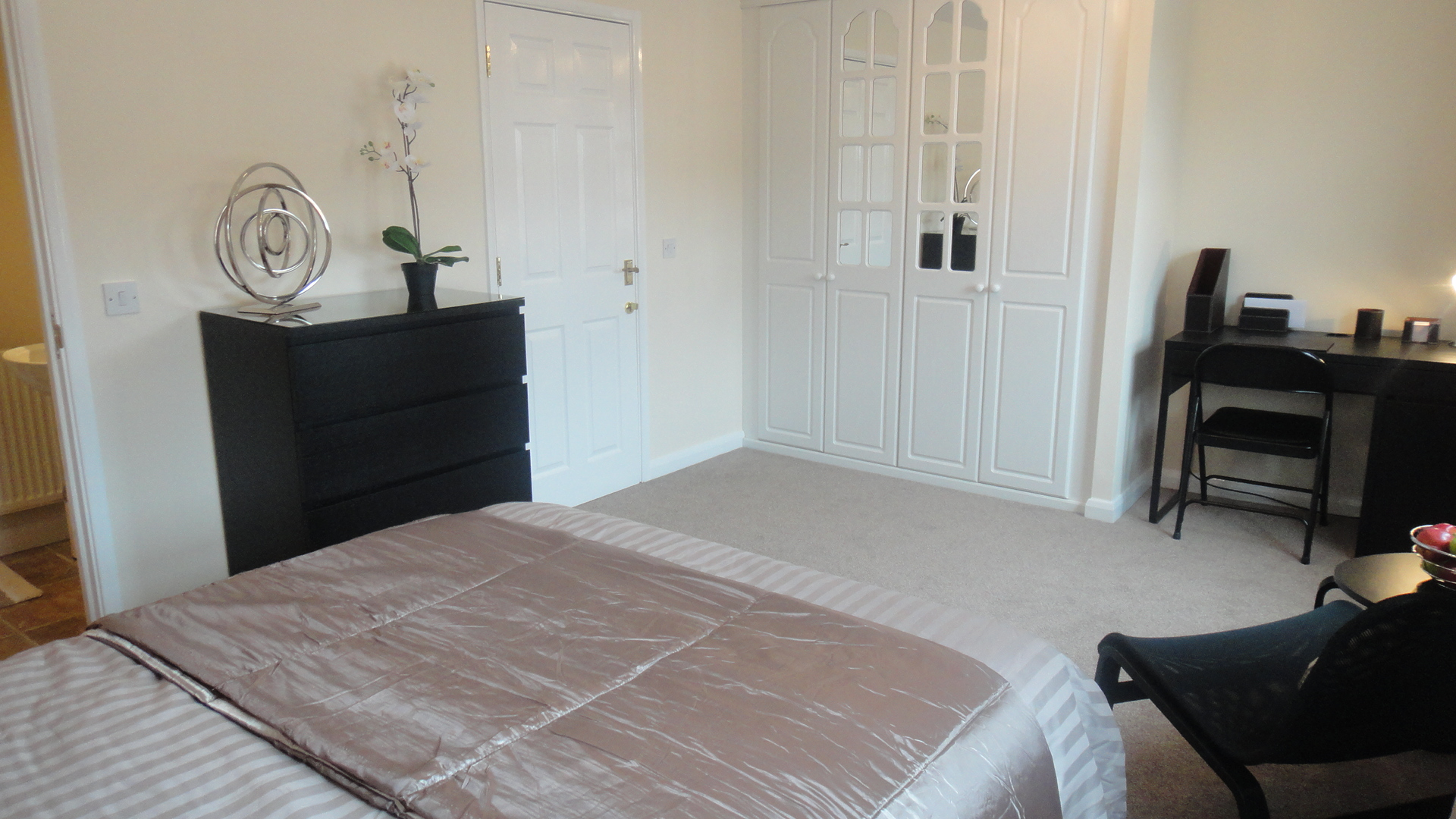 modern contemporary bedroom 1 bedroom semi detached house to rent longstork road 12554