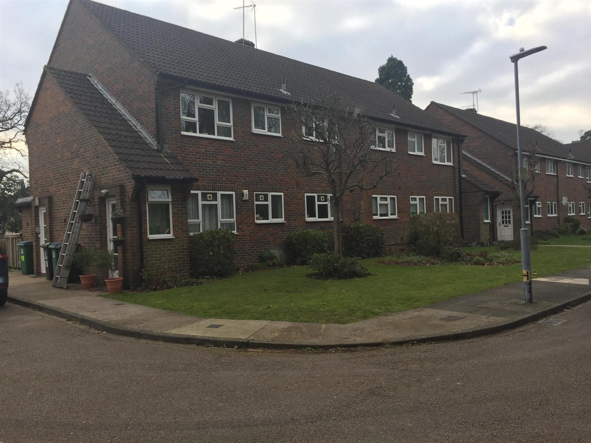 2 bedroom flat to rent oaklands court hempstead road watford wd17 4lf