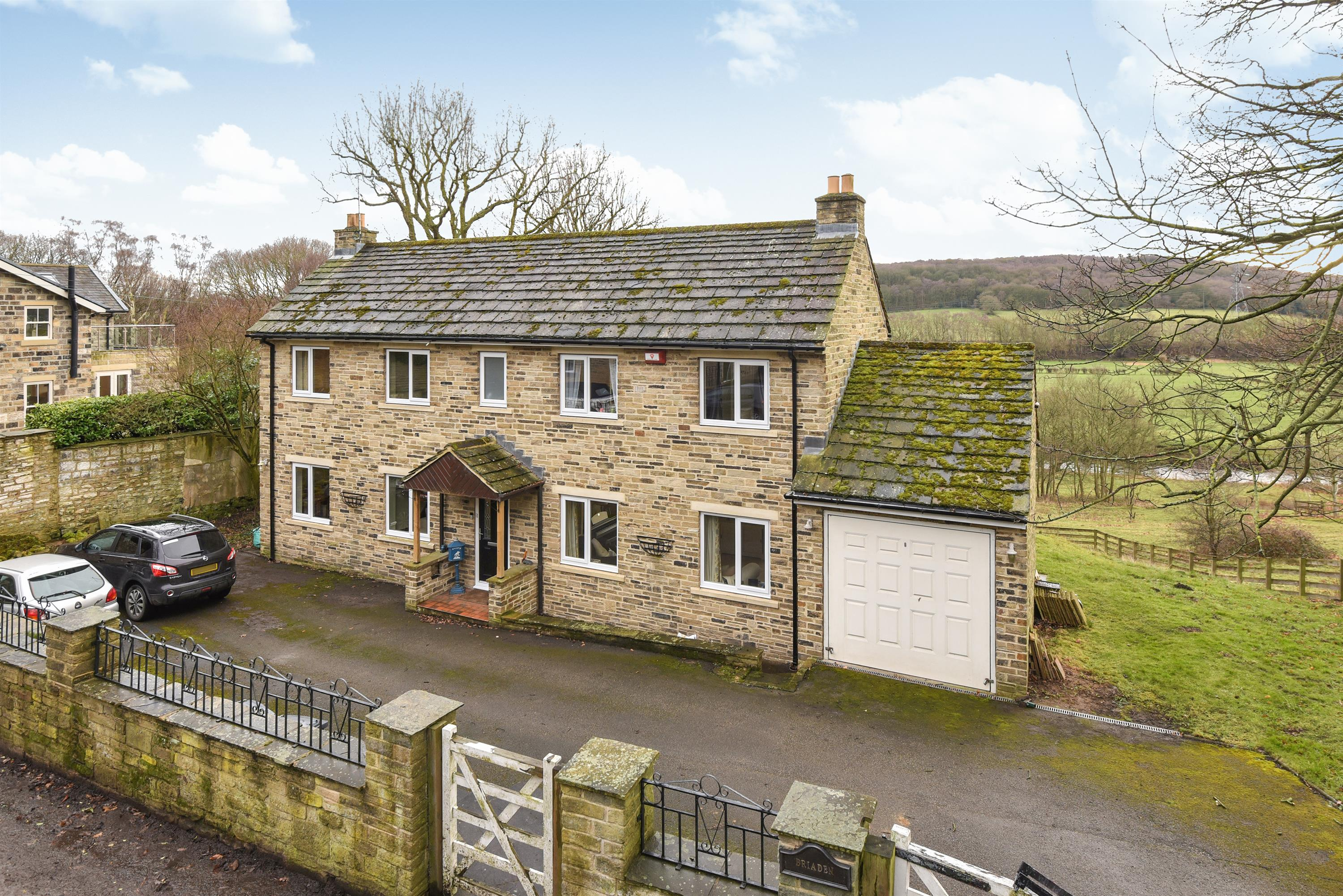 4 bedroom detached house for sale underwood drive rawdon for Underwood house for sale