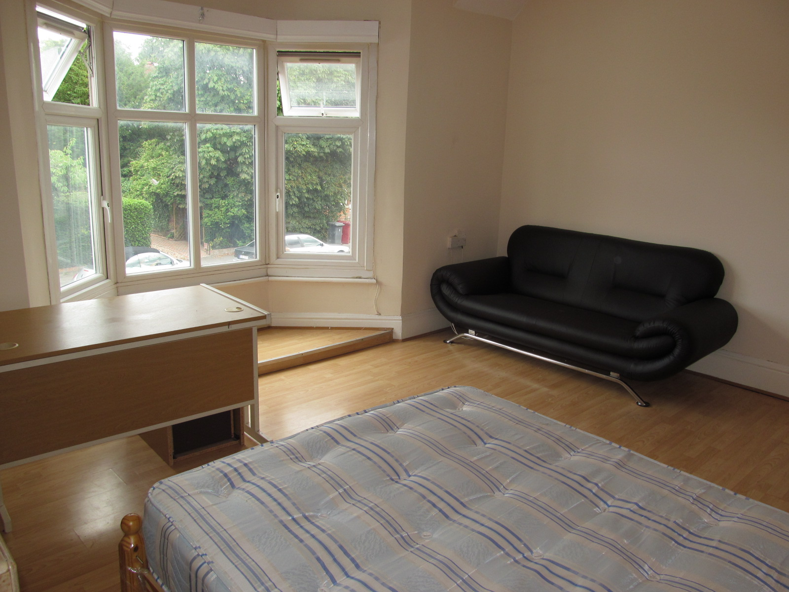 4 bedroom flat to rent christchurch road reading rg rg1 for Bedroom furniture christchurch