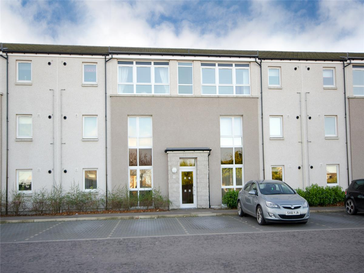 2 Bedroom Flat To Rent Farburn Place Dyce Aberdeen Ab21 7gp