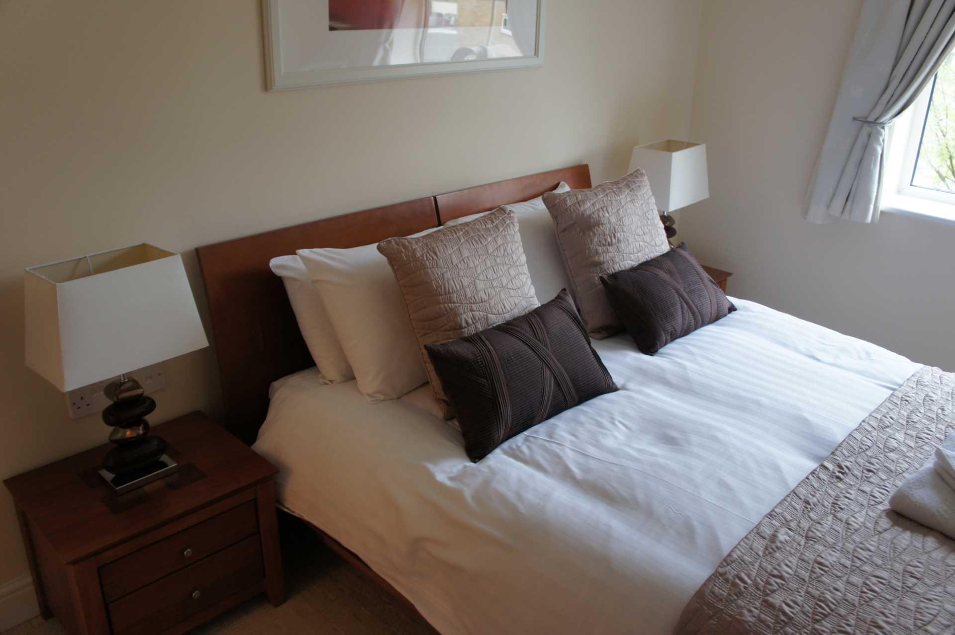 Ensuite Room Redhill Rent