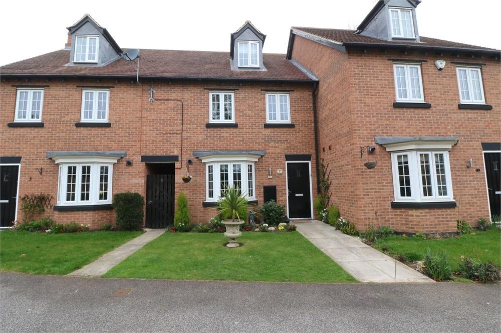 3 Bedroom Terraced House For Sale Woodlands Gardens