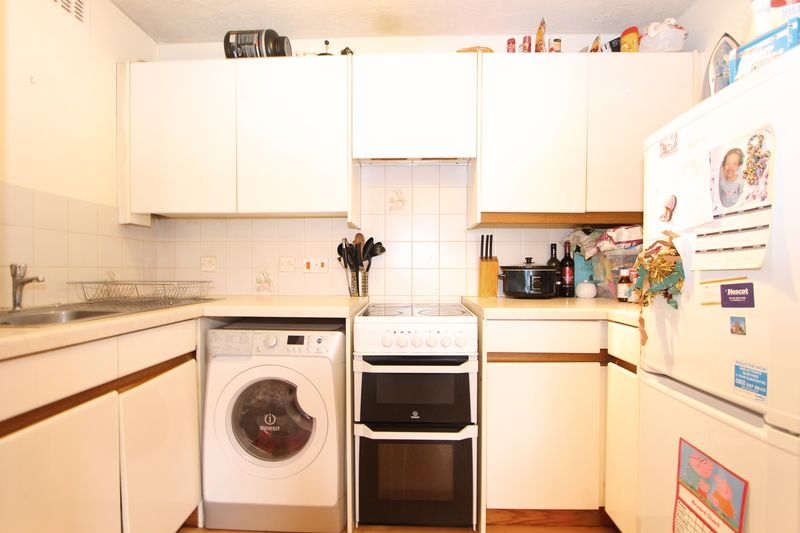 1 bedroom flat for sale, Oakdene Mews, North Cheam, Sutton ...