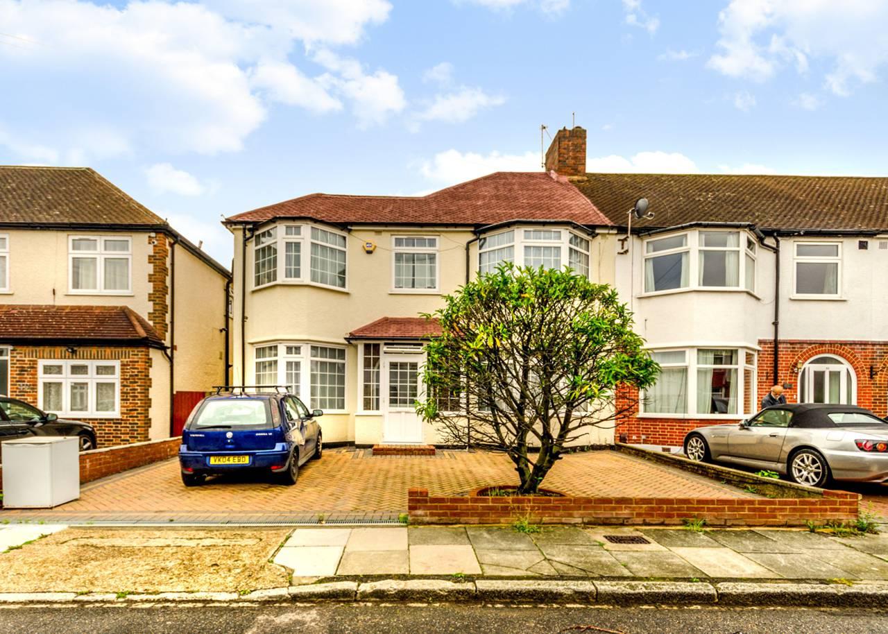 5 bedroom house for sale glenthorpe road morden sm sm4 for Morden houses for sale
