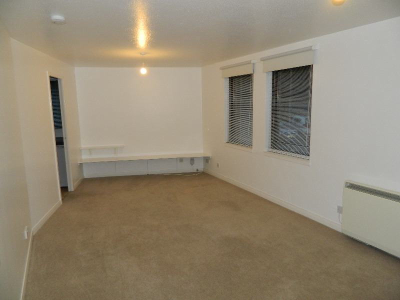 1 bedroom studio flat to rent appin terrace slateford. Black Bedroom Furniture Sets. Home Design Ideas