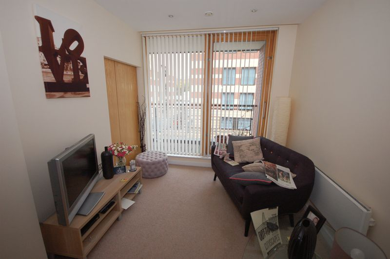 1 bedroom flat to rent sandhill newcastle upon tyne ne for Living room newcastle