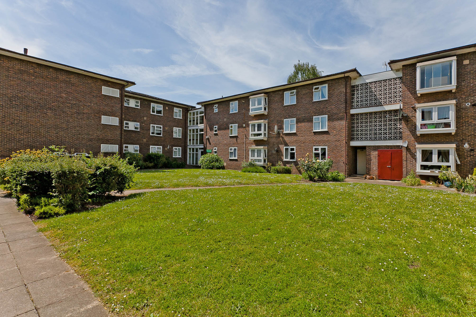 2 bedroom apartment to rent millfield mill place - Swimming pools in kingston upon thames ...