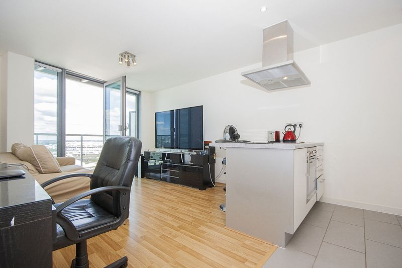 1 bedroom flat to rent high street london e cubitt town for 180 water street 17th floor