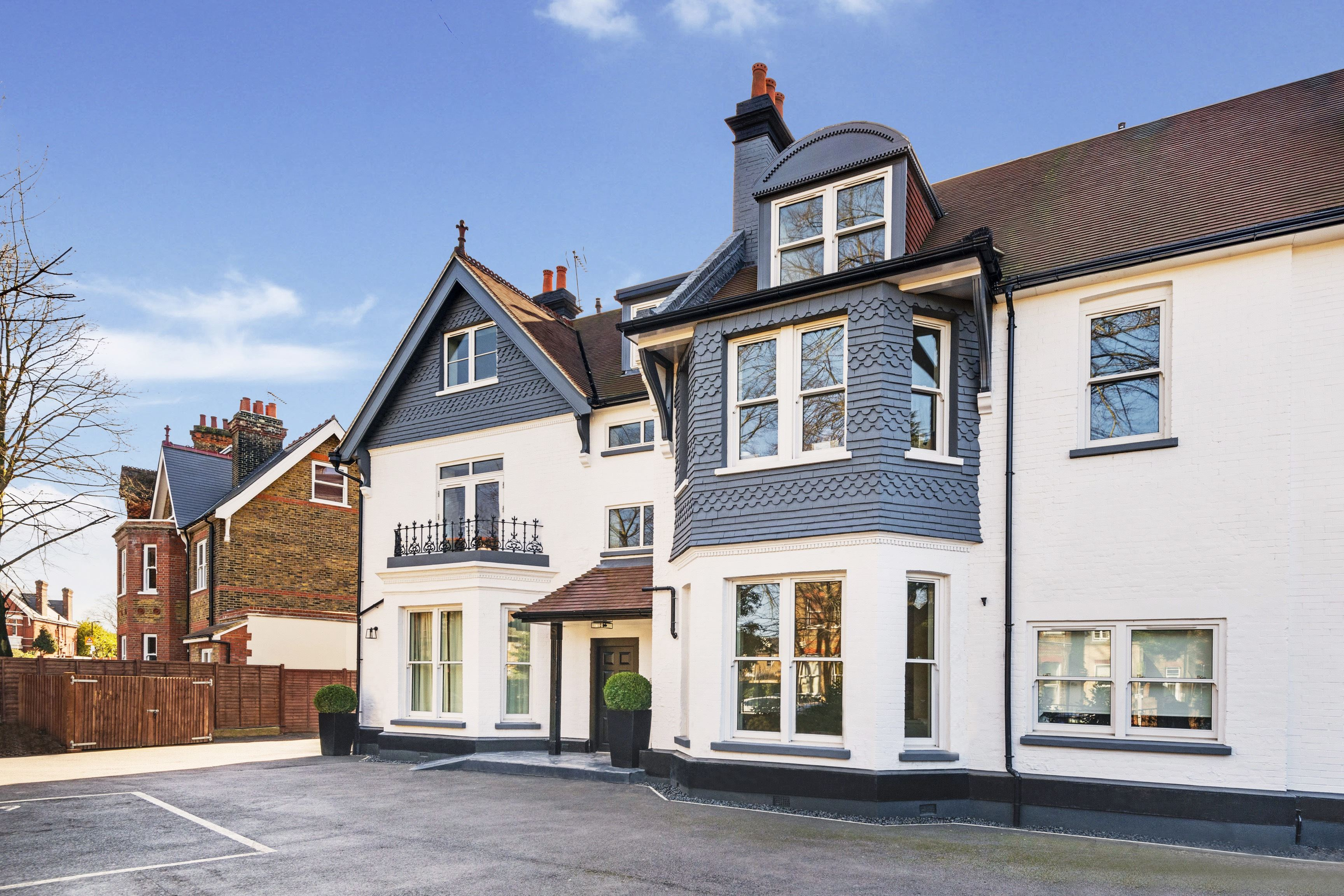 2 bedroom flat to rent creffield lodge creffield road for Chantry flats cabins rental