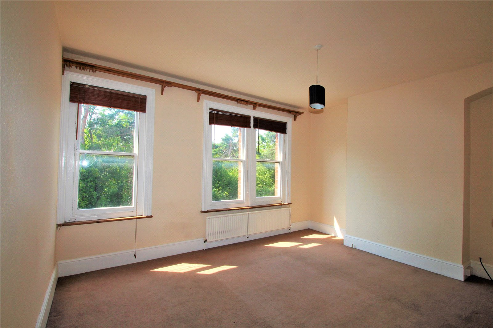 Bed House To Rent In East Grinstead