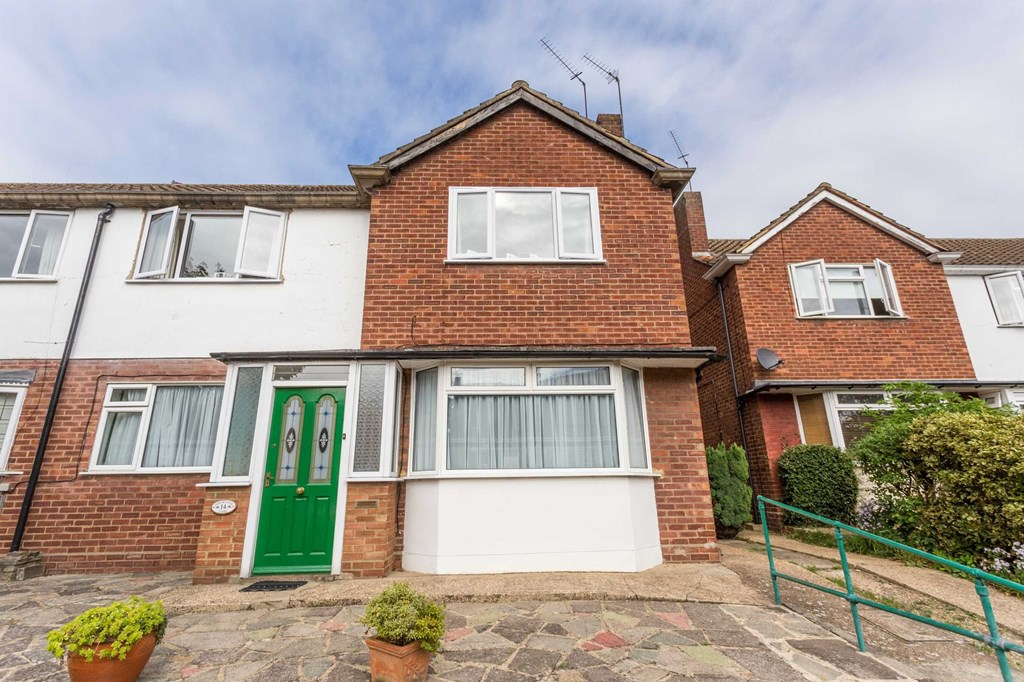 Property To Rent In Shrublands