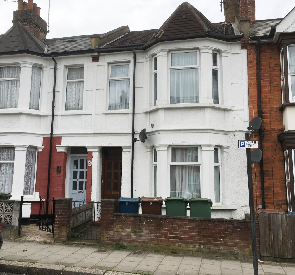 Light Shop Harrow Road: 1 Bedroom Flat To Rent, Springfield Road, Harrow, HA1 1QF