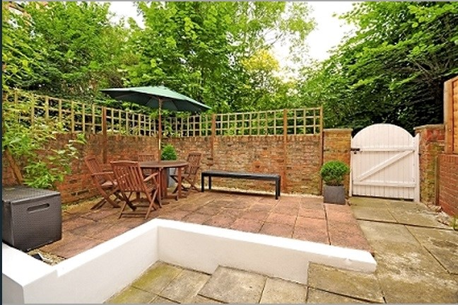 2 Bedroom Flat For Sale Compayne Gardens South Hampstead