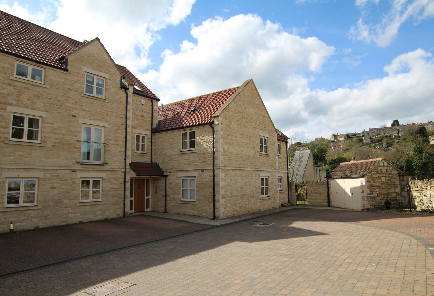 2 Bedroom Flat To Rent Station Approach Bradford On Avon
