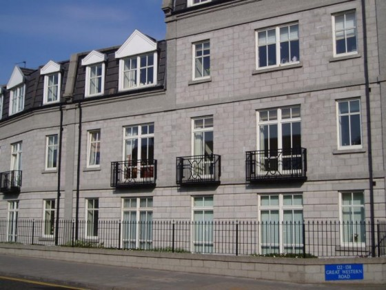 2 Bedroom Flat To Rent Balmoral Square City Centre