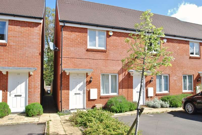 2 bedroom end of terrace house to rent old saw mill place for 11242 mill place terrace
