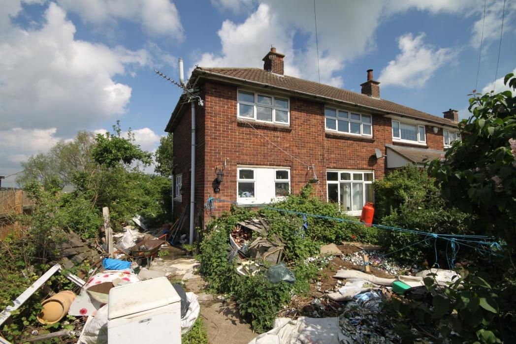 3 Bedroom Semi Detached House For Sale Fairway Waltham