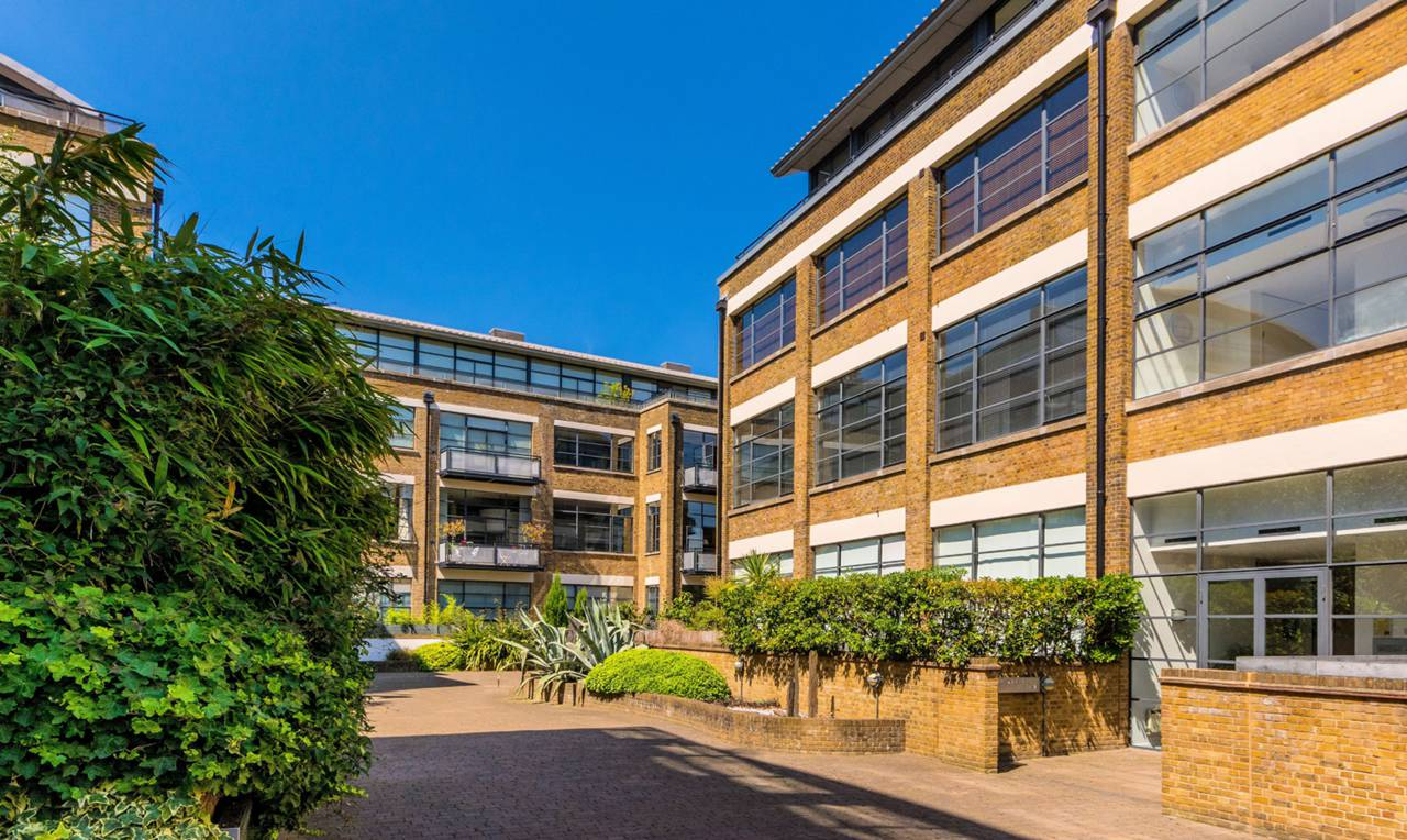 2 bedroom flat to rent chiswick green studios chiswick for W 4 bathrooms chiswick