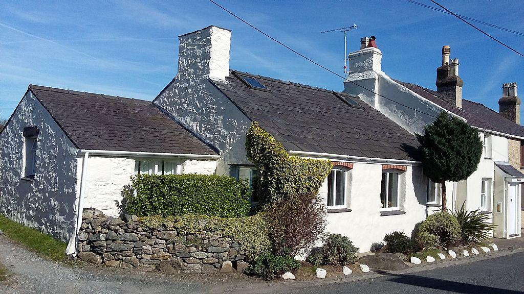 3 Bedroom Cottage For Sale Caeathro Caernarfon North