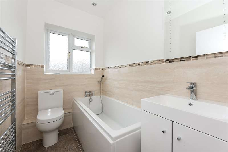 2 Bedroom Flat For Sale Home Park Walk Kingston Upon Thames KT1