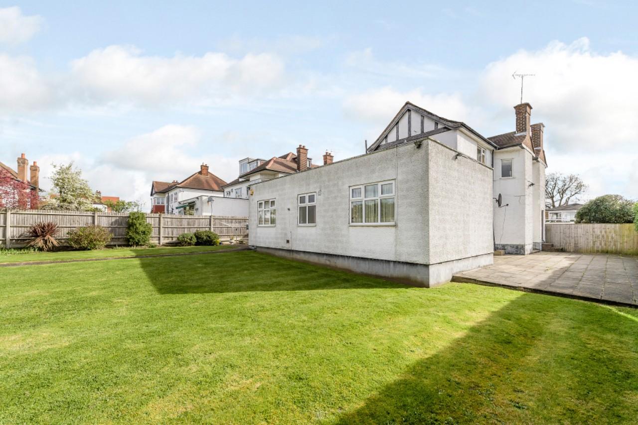 7 Bedroom Detached House For Sale Barn Hill Wembley London Ha Ha9 9lq