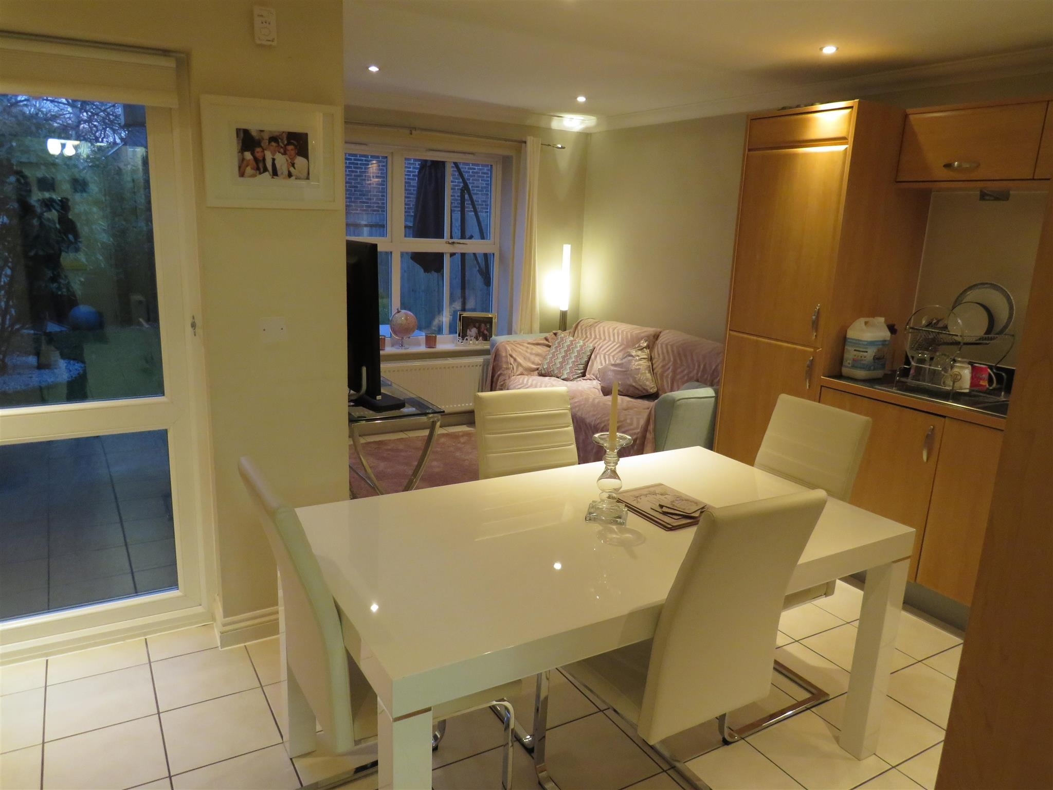 Ensuite Room To Rent In Epsom
