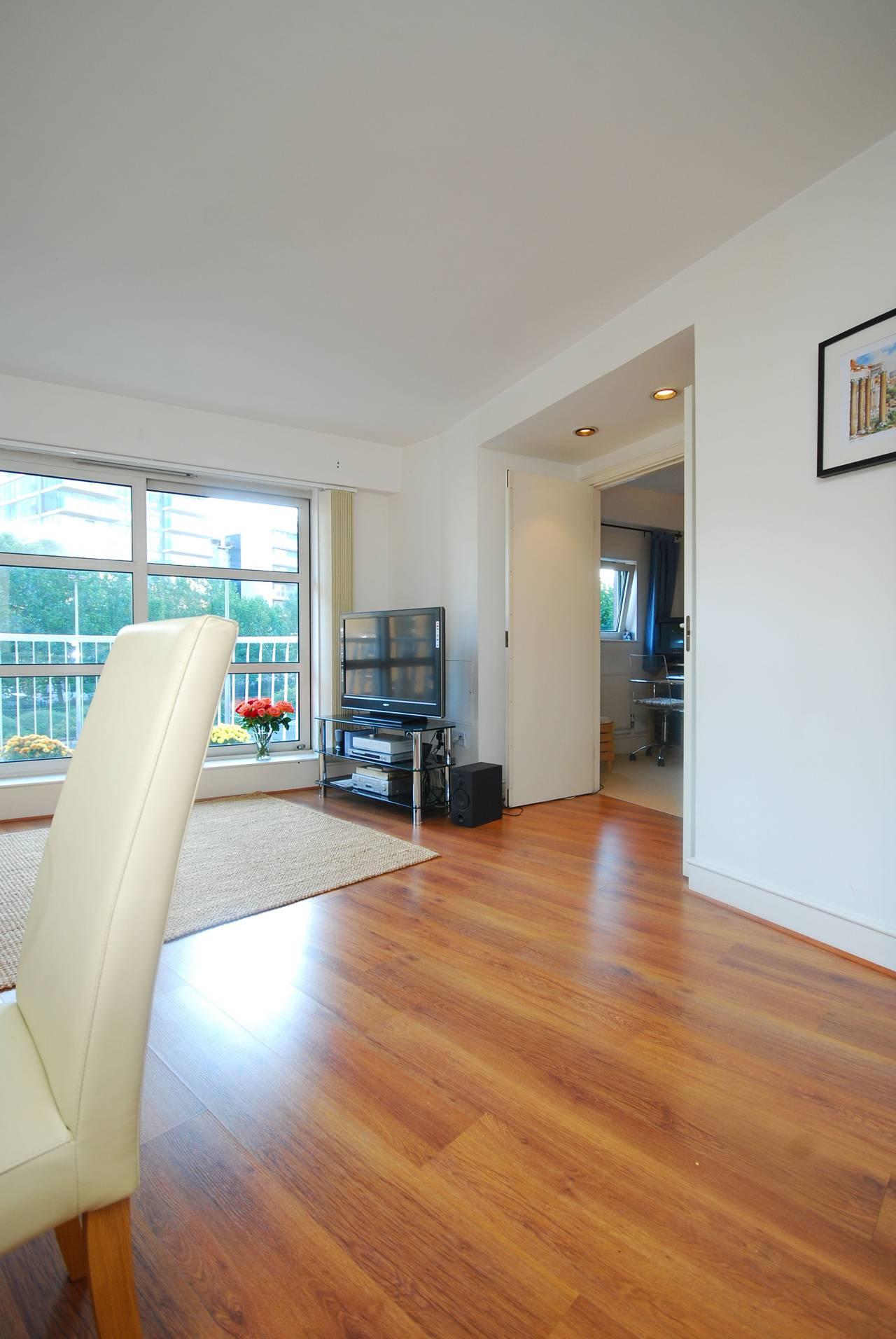 2 Bedroom Flat To Rent Cascades Tower Canary Wharf E E14 8jl