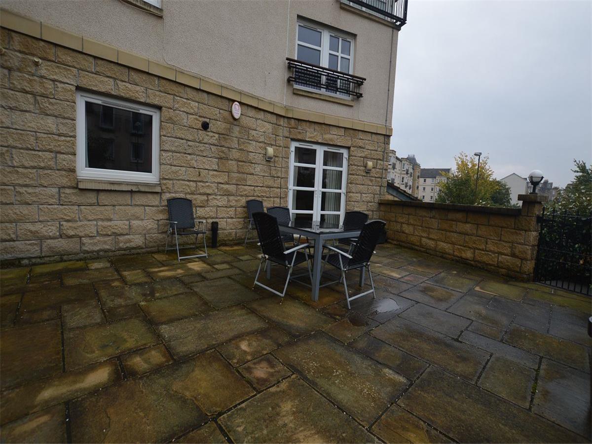 2 Bedroom Flat To Rent Springfield Street Leith Walk Edinburgh Eh6 5de
