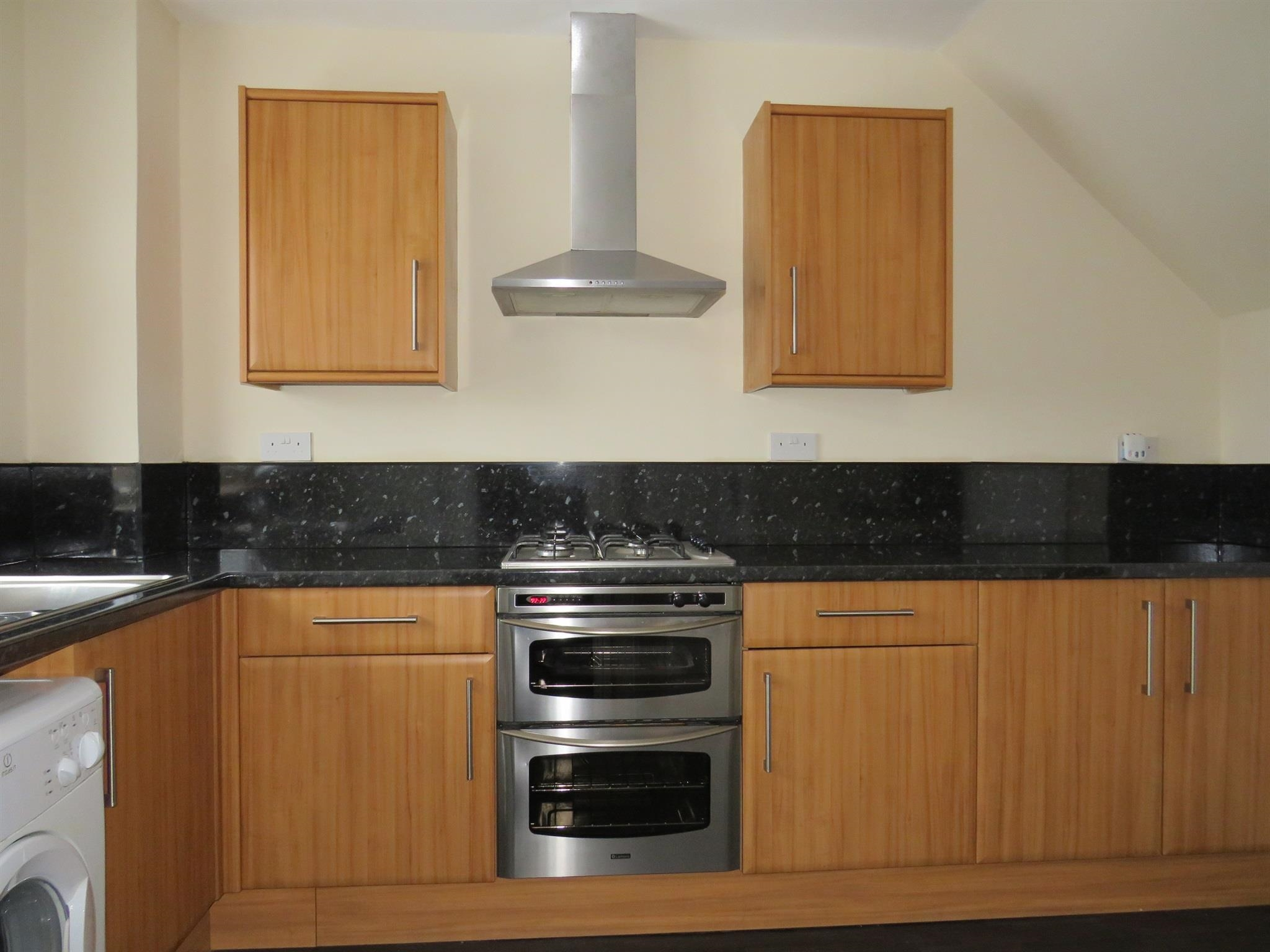 3 Bedroom End Of Terrace House For Sale Milne Park Road