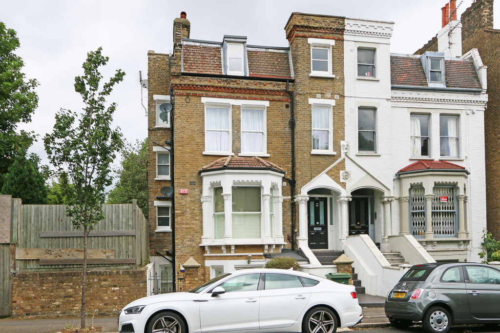 2 bedroom apartment to rent bromfelde road london sw4 6ps 2 bedroom apartments for rent london