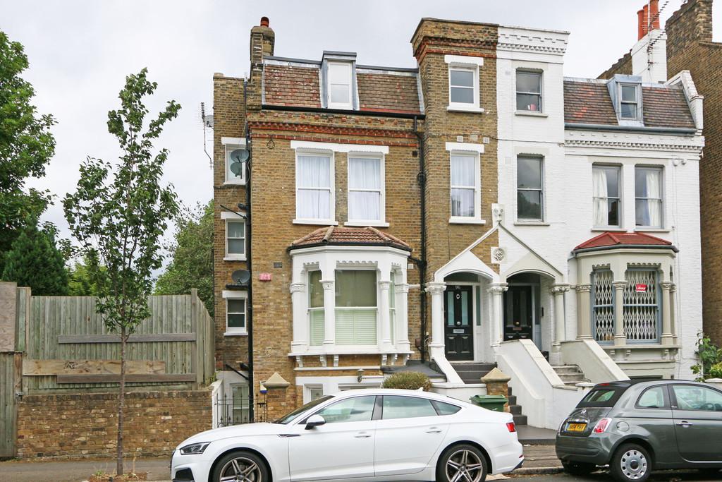 2 Bedroom Apartment To Rent Bromfelde Road London Sw4 6ps