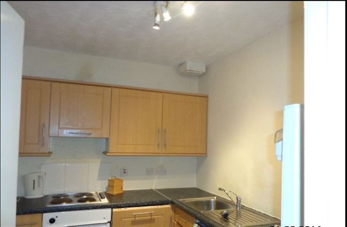 3 Bedroom Flat To Rent Md Cleghorn Street West End