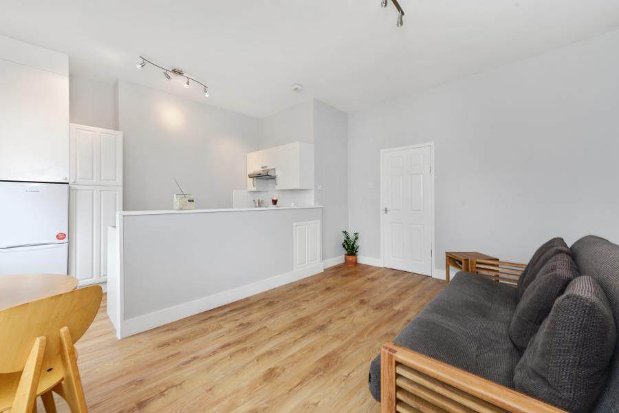 1 bedroom flat to rent askew road london w w12 9ad for Home decor s13 9ad