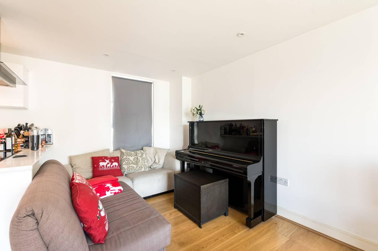 3 Bedroom Flat To Rent Ten Rochester Row Westminster Sw