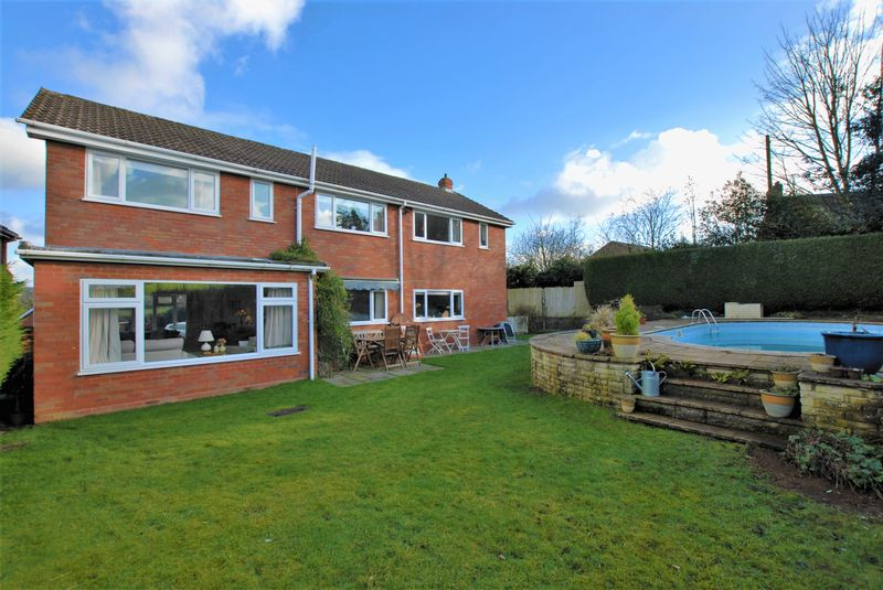 4 bedroom detached house for sale preedys close abbots for Best bathrooms rugeley