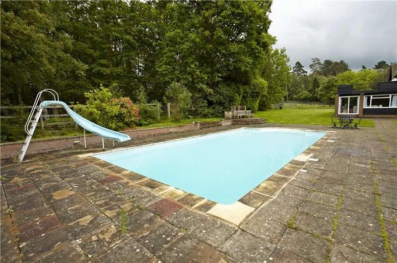 4 Bedroom Detached House For Sale Mill Lane Newdigate Dorking Parkgate Rh5 5al