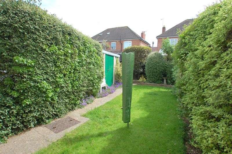 3 Bedroom Semi Detached House For Sale Bury Close