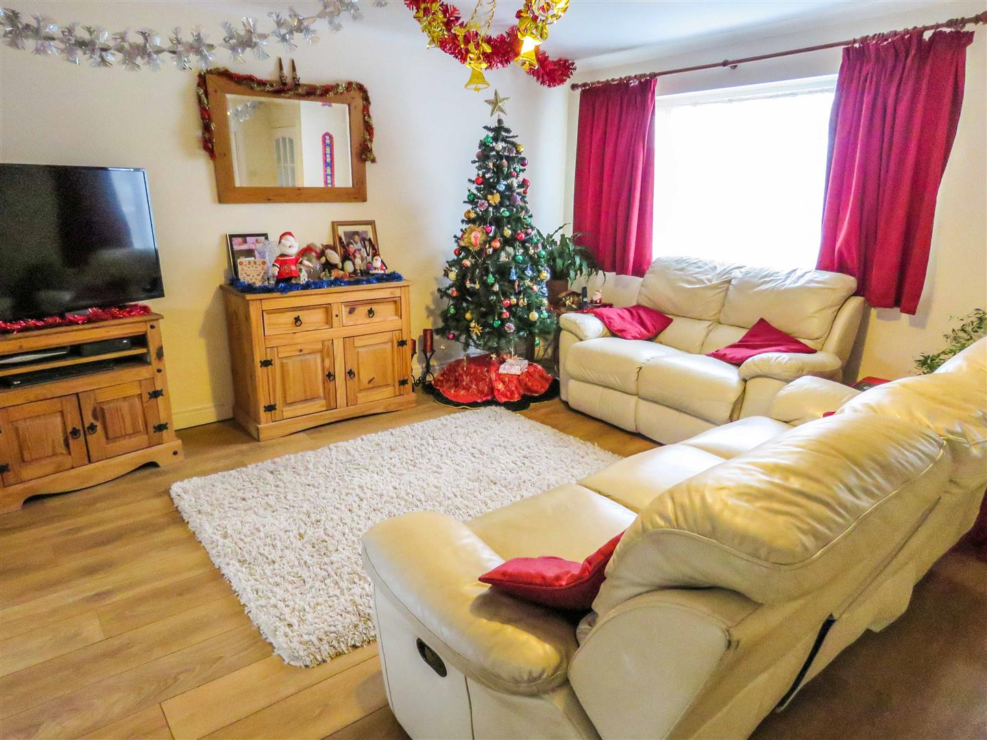 pics of bedrooms 3 bedroom semi detached house for pettis road st 12822