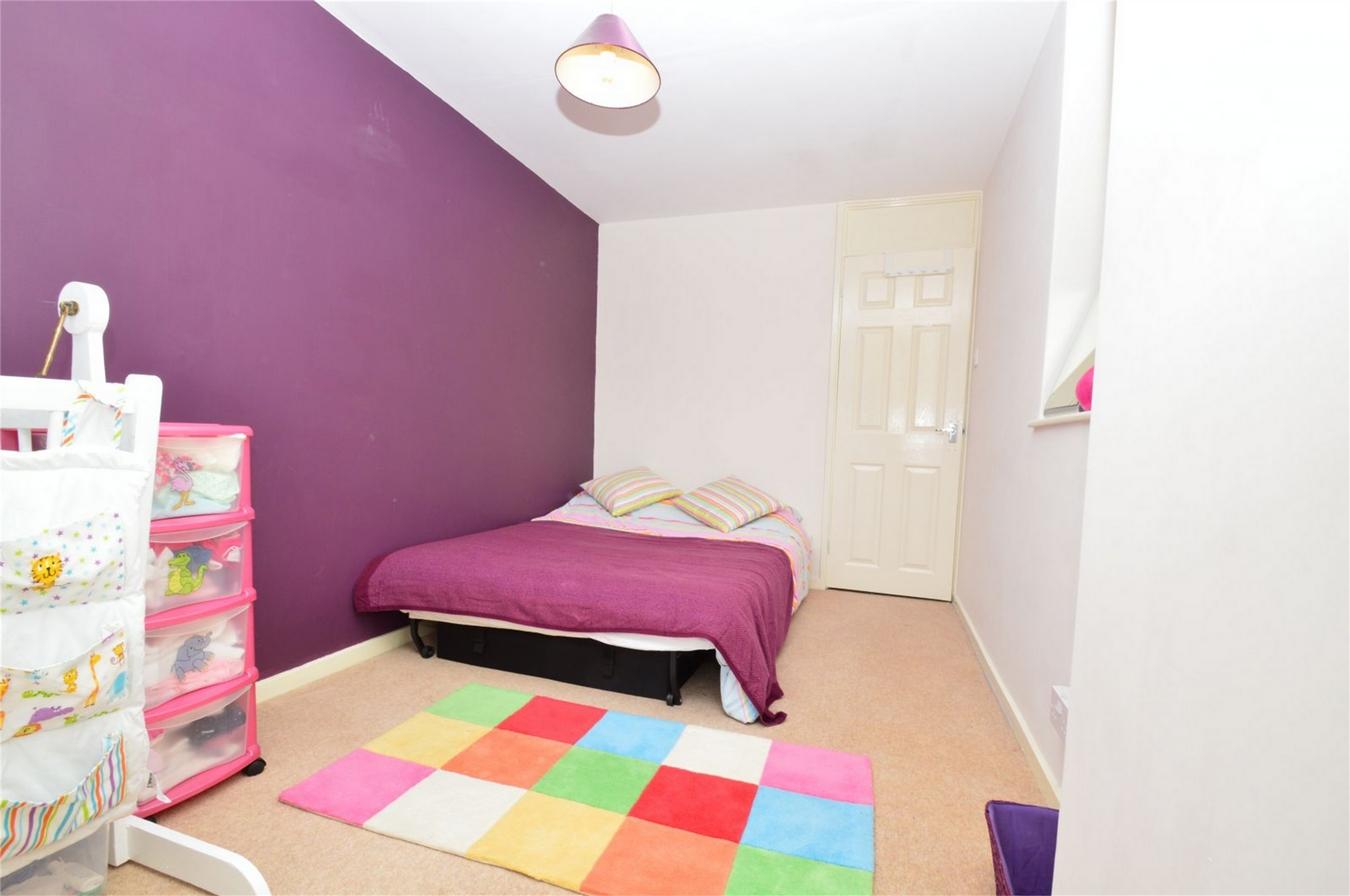 3 Bedroom Terraced House For Sale Garden Avenue Hatfield