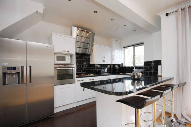 Is 747 A Good Credit Score >> 3 bedroom detached house to rent, Lescombe Road, Forest Hill, SE, SE23 2RP