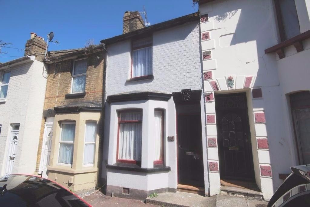 Bed Property To Rent In Chatham