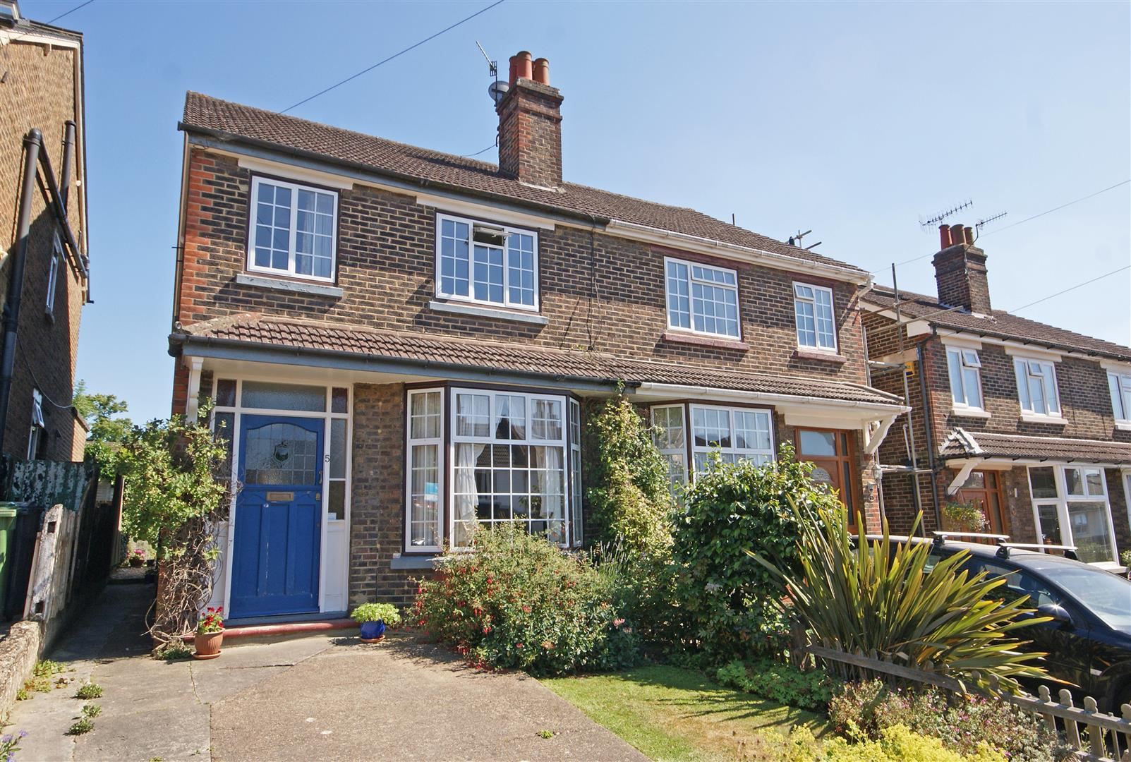 3 Bedroom House For Sale Knighton Road Redhill Surrey Rh1 6eh