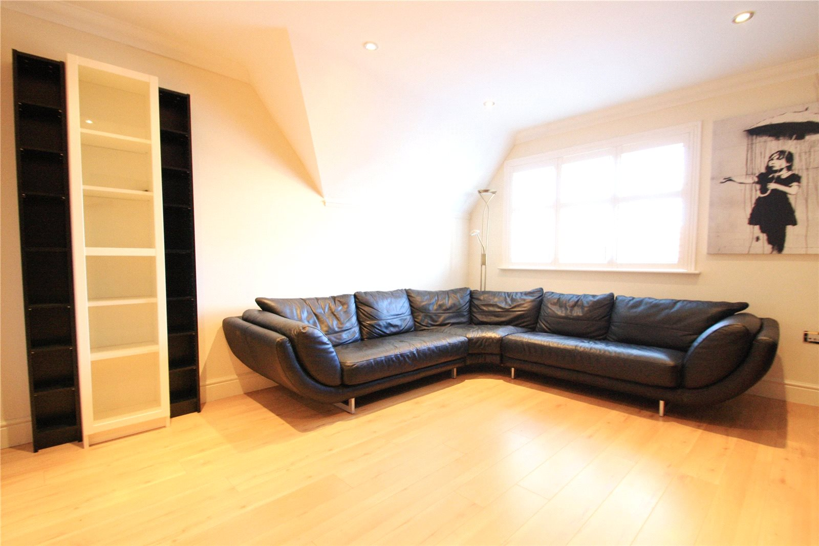 2 bedroom apartment for sale Albany Court Albany Place Egham TW20 9GP