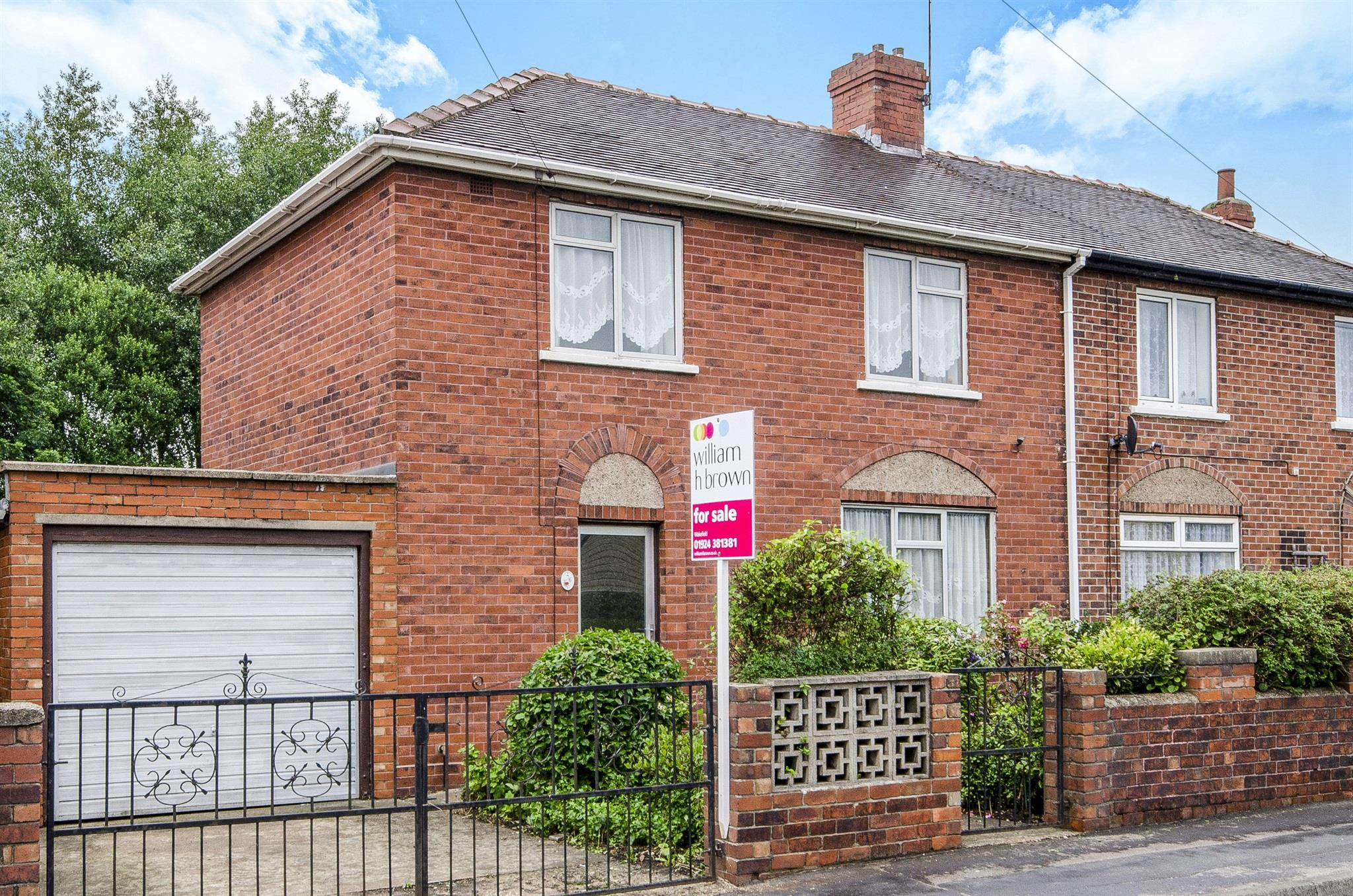 3 bedroom semi detached house for sale balne lane for Wakefield house