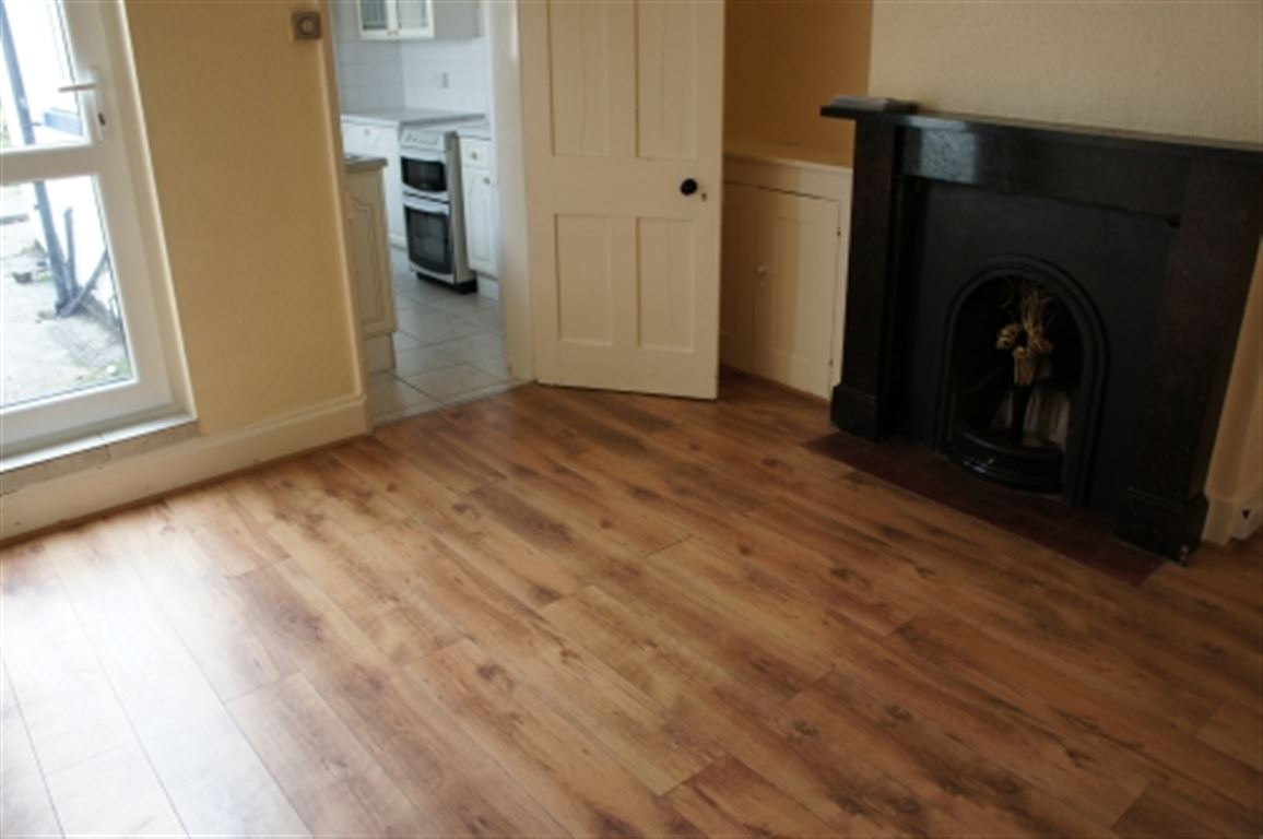 Double Room To Rent Redhill