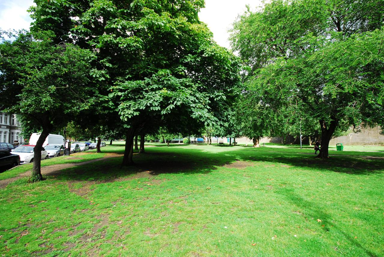 1 bedroom flat to rent chiswick common road turnham for W 4 bathrooms chiswick