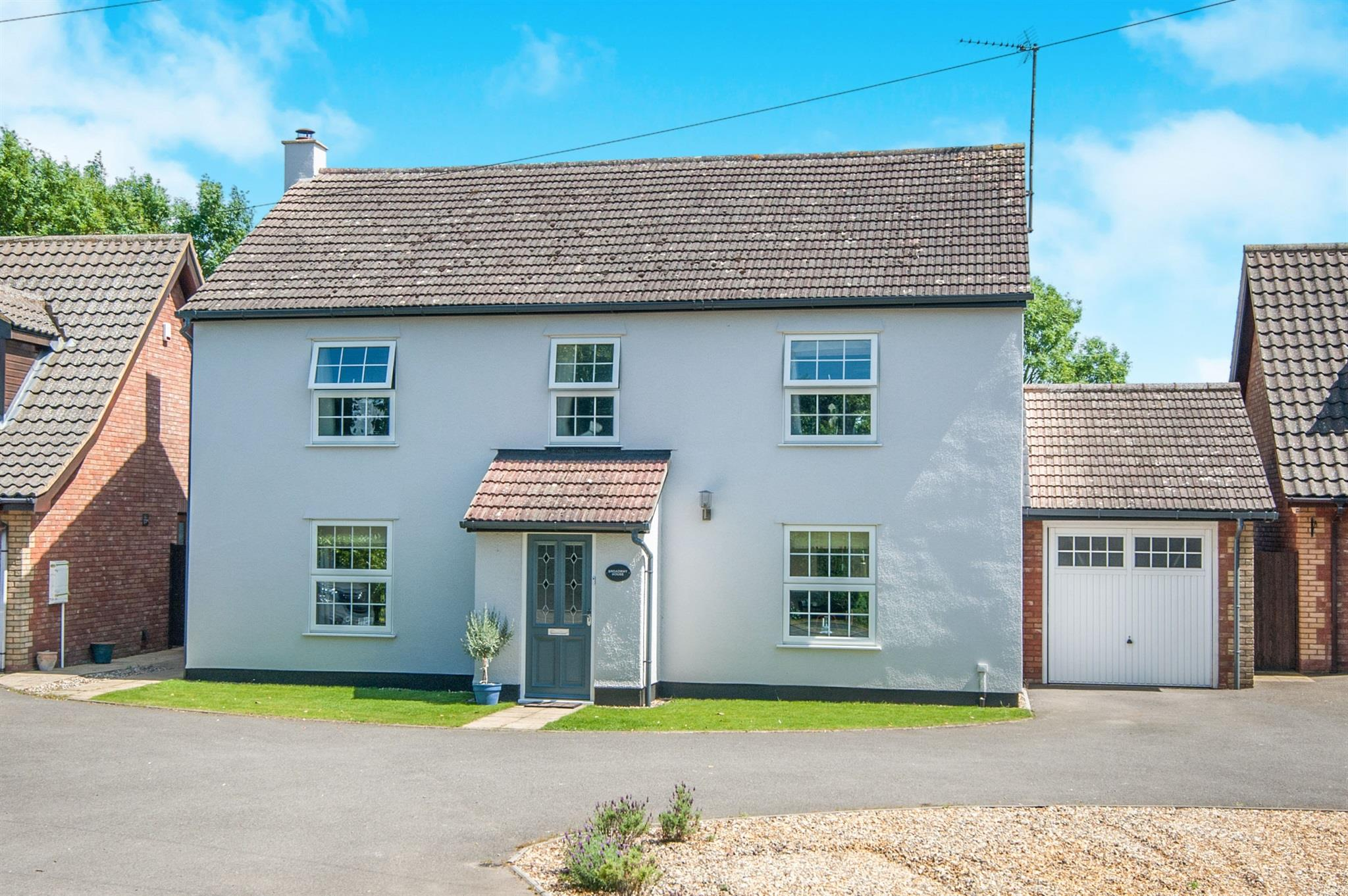 4 bedroom detached house for sale broadway house station for Broadway house